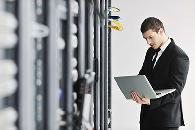 خدمات پشتیبانی شبکه و نگهداری سیستم ها