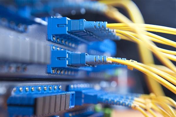 کاربرد فیبر نوری در شبکه سازی